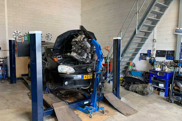 Autobedrijf Helmond